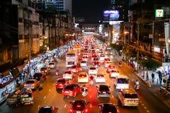 БАНГКОК, ТАИЛАНД - 8-ОЕ ЯНВАРЯ 2018: Вид на город marke Pratunam стоковое изображение