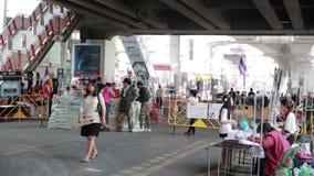 БАНГКОК, ТАИЛАНД - ФЕВРАЛЬ 2014: Протесты выключения Бангкока сток-видео