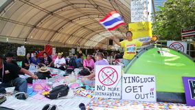 БАНГКОК, ТАИЛАНД - ФЕВРАЛЬ 2014: Протесты выключения Бангкока акции видеоматериалы