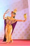 БАНГКОК, ТАИЛАНД - 15-ОЕ ЯНВАРЯ: Тайское традиционное платье. актеры p Стоковое Изображение