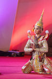 БАНГКОК, ТАИЛАНД - 15-ОЕ ЯНВАРЯ: Тайское традиционное платье. актеры p Стоковые Фото