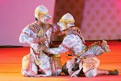 БАНГКОК, ТАИЛАНД - 15-ОЕ ЯНВАРЯ: Тайское традиционное платье. актеры p Стоковое Фото