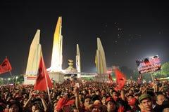 БАНГКОК - 10-ОЕ ДЕКАБРЯ: Красная демонстрация протеста рубашек - Таиланд Стоковое Фото
