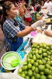 БАНГКОК, - 10-ОЕ ФЕВРАЛЯ: Китайское Новый Год 2013 - торжества внутри Стоковая Фотография RF