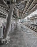 БАНГКОК - March24 транзитная система общественного транспорта Бангкока (BTS) на станции 24-ое марта 2016 в Бангкоке Таиланде Стоковые Изображения