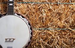 Банджо на стоге сена Стоковые Изображения RF