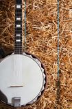 Банджо на стоге сена Стоковое Изображение RF