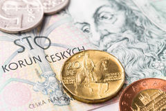 Банкнота и монетки крон чеха 100 Стоковое Изображение