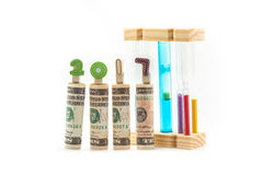 Банкнота доллара при 2017 год сделанных от деревянных струбцин и hou Стоковое фото RF