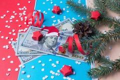 Банкнота с Санта Клаусом и спрусом Стоковые Изображения