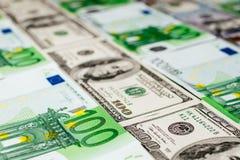 Банкноты евро закрывают вверх Нескольк 100 банкнот евро Стоковые Изображения