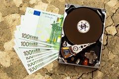 100 банкноты и hardisk евро Стоковое Фото