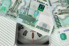 Банкноты щебня на дальше масштабах Стоковое Фото