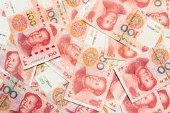 банкноты юаней ne 100 китайские как предпосылка Стоковые Фото
