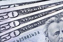 Банкноты 50 usd подсчитывая предпосылку стога соответственно, Америку Стоковое Изображение RF