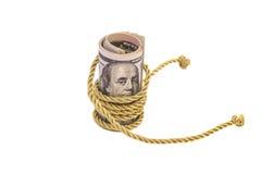 100 банкнот доллара с золотой веревочкой Стоковые Фото