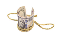 100 банкнот доллара с золотым диапазоном веревочки Стоковые Фотографии RF