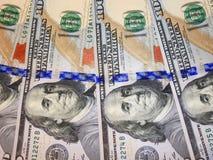 100 банкнот доллара с изображением президента Стоковая Фотография