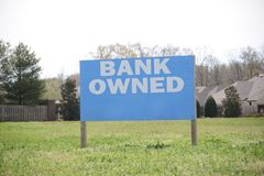 Банк имел свойство недвижимости для продажи стоковое изображение