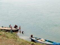 Банк реки Godavari Стоковые Фотографии RF