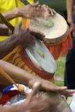 барабанить руками стоковое изображение