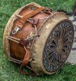 Барабанчик старого Dacian деревянный и кожаный с украшениями Стоковая Фотография RF