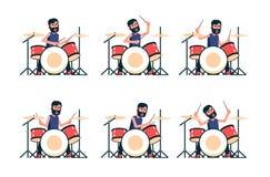 Барабанщик играет набор барабанчика иллюстрация вектора