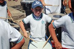 Барабанщик мальчика в параде Стоковая Фотография