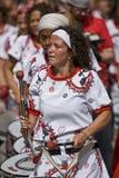 Барабанщик от Batala Banda de Percussao стоковые изображения rf