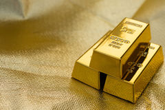 3 бара золотых монет Стоковые Изображения