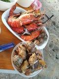 Барбекю морепродуктов на пляже Стоковые Фото