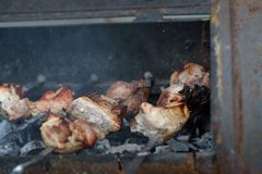 Барбекю подготовлено на гриле стоковая фотография