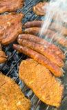 Барбекю с мясом на гриле Стоковые Фото
