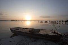 Баржа восхода солнца стоковое изображение rf