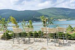 Барные стулы с видом на море стоковое фото rf