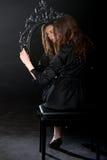 Барочная девушка зеркала Стоковая Фотография
