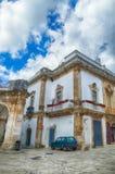 Барочные белые здания Martina Franca стоковые изображения rf