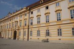 Барочный двор аббатства Benedictjne стоковое изображение rf