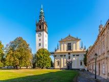 Барочный собор ` s St Stephen с колокольней на квадрате собора в Litomerice, чехии стоковые фото