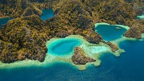 Барракуда озера гор на тропическом острове, Филиппинах, Coron, Palawan Стоковая Фотография