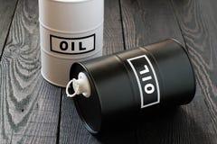 2 барреля нефти Стоковая Фотография
