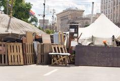 Баррикад через улицу городка для ярмарки или гонки стоковое изображение