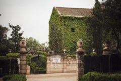 БАРСЕЛОНА, ИСПАНИЯ - 22-ОЕ АПРЕЛЯ 2016: Ретро детали стиля в Parc d Стоковые Изображения RF
