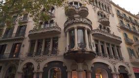 Барселона, Испания - 9-ое ноября 2018 - внешний взгляд Касы Batllo в 4K сток-видео