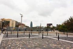 БАРСЕЛОНА, ИСПАНИЯ - 18-ое октября 2017 - испанцы на велосипедах на t Стоковое фото RF