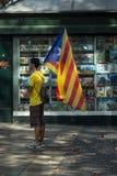 БАРСЕЛОНА, ИСПАНИЯ - 11-ОЕ СЕНТЯБРЯ 2014: Inde людей manifestating Стоковые Изображения RF