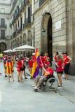 БАРСЕЛОНА, ИСПАНИЯ - 11-ОЕ СЕНТЯБРЯ 2014: Inde людей manifestating Стоковое Изображение RF