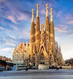 БАРСЕЛОНА, ИСПАНИЯ - 10-ОЕ ФЕВРАЛЯ: Взгляд Sagrada Familia, большого Стоковое фото RF
