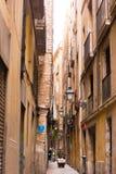 БАРСЕЛОНА, ИСПАНИЯ - 16-ОЕ ФЕВРАЛЯ 2017: Готический квартальный район Gothico вертикально Стоковые Фотографии RF