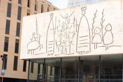 БАРСЕЛОНА, ИСПАНИЯ - 16-ОЕ ФЕВРАЛЯ 2017: Коллеж архитекторов Каталонии, фриза Пикассо Конец-вверх Стоковая Фотография